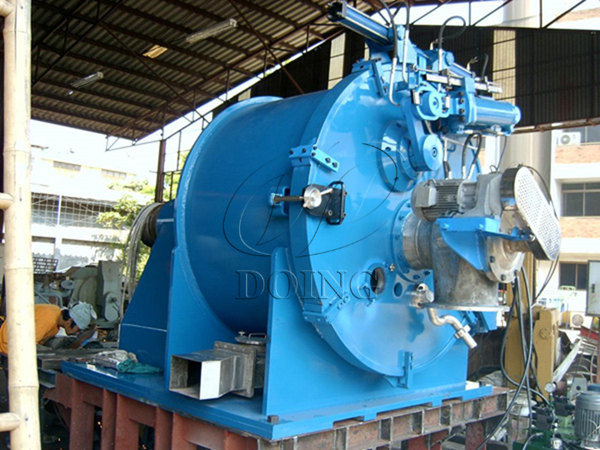 How does the cassava starch dewatering machine peeler centrifuge work?